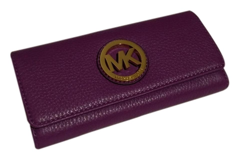 99f0ed5caa95 Michael Kors Violet Fulton Leather Carryall Wallet - Tradesy