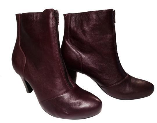 Preload https://img-static.tradesy.com/item/10343941/clarks-cordovan-reddish-brown-like-new-comfortable-bootsbooties-size-us-75-regular-m-b-0-1-540-540.jpg