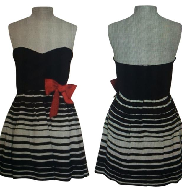 Preload https://item1.tradesy.com/images/trixxi-dress-black-and-whit-stripe-1034915-0-0.jpg?width=400&height=650