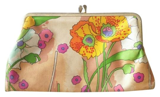 Preload https://item5.tradesy.com/images/merle-norman-clutch-beigemulti-floral-1034934-0-0.jpg?width=440&height=440