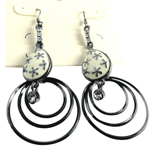 Preload https://img-static.tradesy.com/item/10350682/cato-black-white-silver-dangle-hoop-j1786-earrings-0-1-540-540.jpg