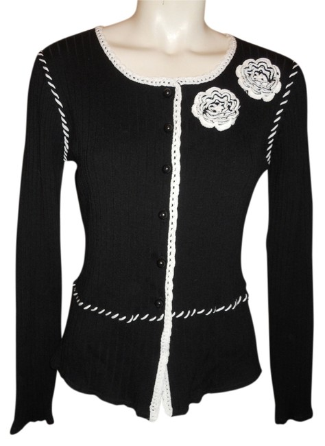 Preload https://img-static.tradesy.com/item/10351912/black-and-white-rib-knit-cardigan-size-8-m-0-1-650-650.jpg