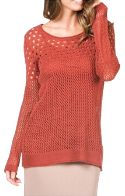 Preload https://img-static.tradesy.com/item/10356118/monoreno-layered-with-camisole-sweaterpullover-size-6-s-0-1-650-650.jpg