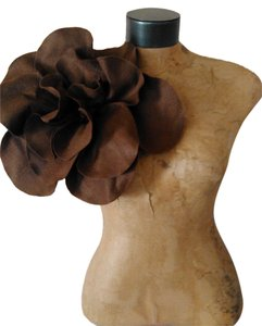 Other Kentucky Derby Chocolate Brown Felt Ovesized Rosette Magnet Pin