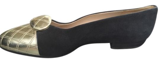 Preload https://img-static.tradesy.com/item/10359883/chanel-gold-and-black-ballet-leather-quilted-toes-6-flats-size-eu-36-approx-us-6-regular-m-b-0-1-540-540.jpg