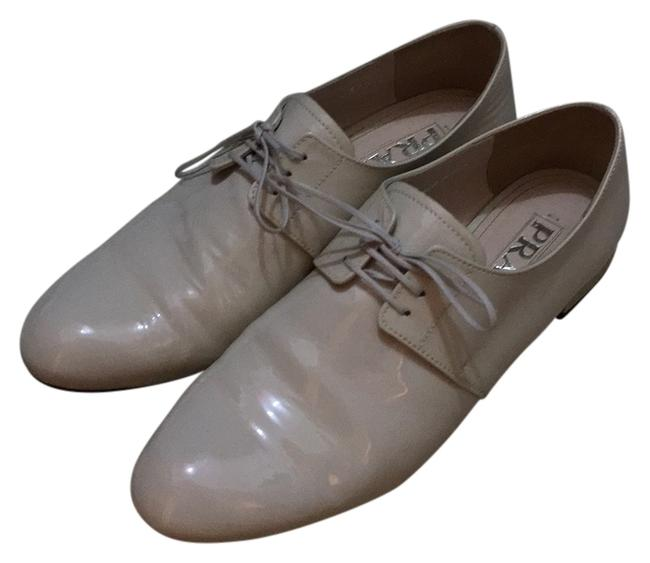 Item - Cream Lace-up Oxford White Patent Leather Like New Flats Size US 7.5 Regular (M, B)