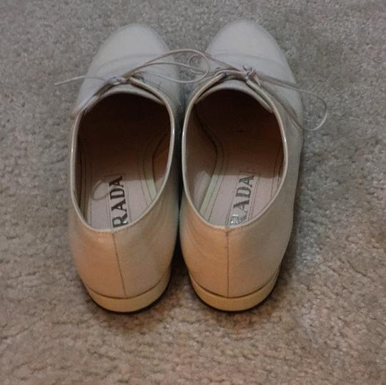 Prada Lace-up Oxford White Patent Leather Like New cream Flats