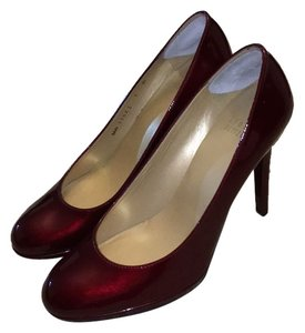 Stuart Weitzman Patent Leather dark ruby red Pumps