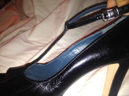 Kenneth Cole Leather T Strap Black Pumps