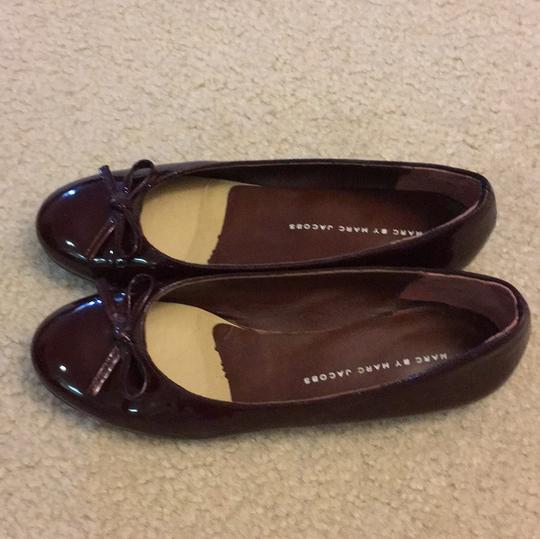 Marc by Marc Jacobs Patent Leather burgundy Flats