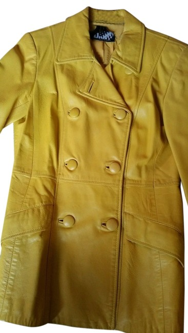 Preload https://item2.tradesy.com/images/dkny-yellow-buttersoft-canary-double-breasted-jacket-size-10-m-10376251-0-1.jpg?width=400&height=650