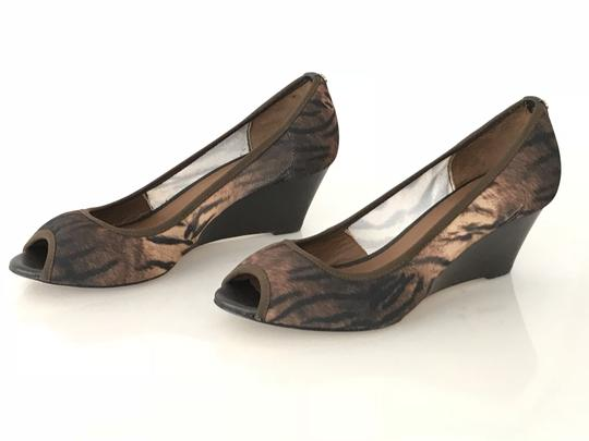 Donald J. Pliner Natural/Expresso Wedges
