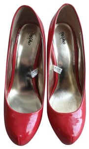 Mossimo Supply Co. Classic Patent Vintage Red Pumps