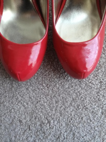 Mossimo Supply Co. Classic Patent Vintage Glamour Night Out Red Pumps