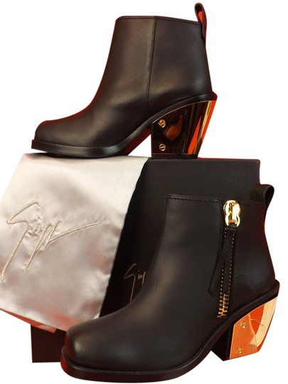 Preload https://img-static.tradesy.com/item/10377064/giuseppe-zanotti-black-sidney-leather-gold-heel-ankle-40-bootsbooties-size-us-10-regular-m-b-0-1-540-540.jpg