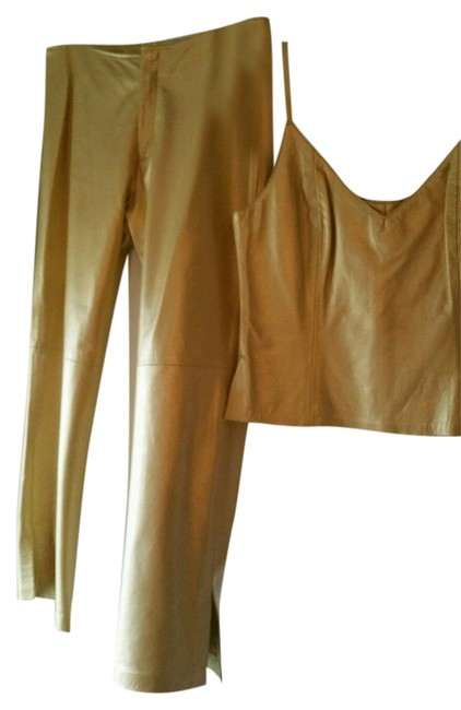 Preload https://img-static.tradesy.com/item/10377676/gold-leather-pant-suit-size-12-l-0-1-650-650.jpg