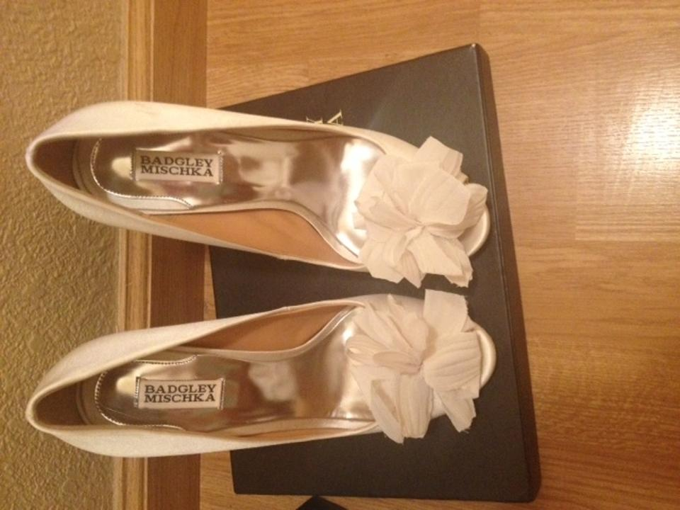 Badgley Mischka Mischka Ivory Mischka Pumps Aubrey Ivory Badgley Badgley Aubrey Aubrey Pumps Ivory Badgley Pumps rwS1rtHq
