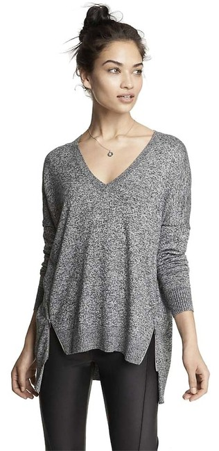 Preload https://img-static.tradesy.com/item/10381111/express-heather-gray-marled-v-neck-double-zip-vent-tunic-sweaterpullover-size-2-xs-0-3-650-650.jpg