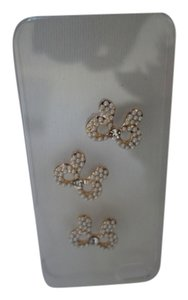 Preload https://item5.tradesy.com/images/swarovski-crystals-bow-s-and-angel-wings-for-your-phone-case-1038369-0-0.jpg?width=440&height=440