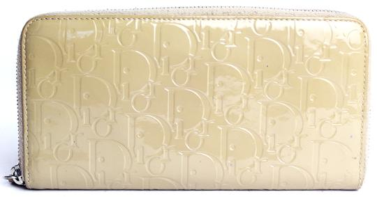 Preload https://item5.tradesy.com/images/dior-nude-monogram-patent-continental-wallet-10383889-0-2.jpg?width=440&height=440