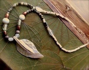 Brand New! Beach Wedding Necklace Mother Of Pearl Leaf Boho Chic Earth Beads