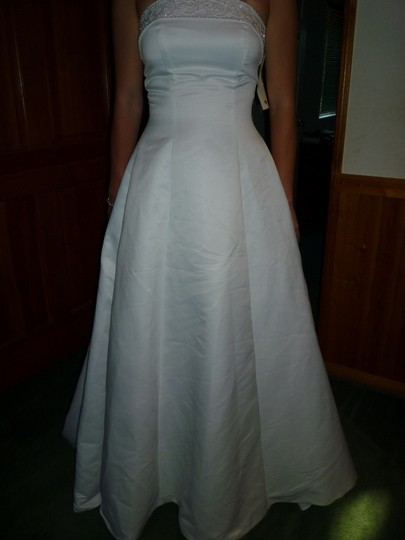 Gloria vanderbilt strapless beaded band wedding dress on for Gloria vanderbilt wedding dress