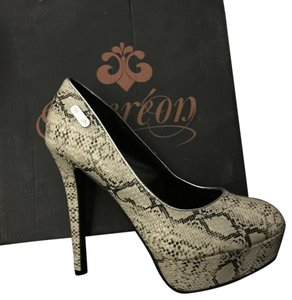 House of Deréon Snake black and white Pumps