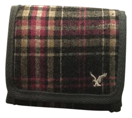 Preload https://img-static.tradesy.com/item/10387186/american-eagle-outfitters-plaid-wallet-0-1-540-540.jpg