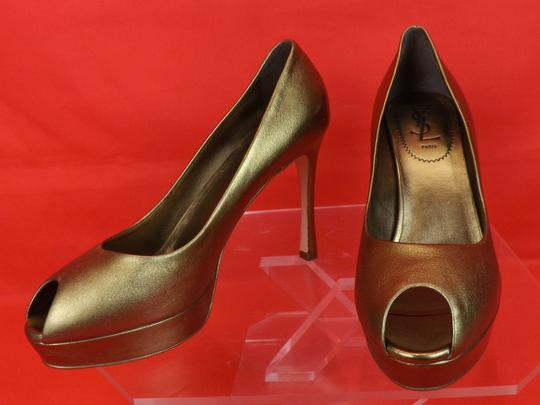 Saint Laurent Metallic bronze Pumps