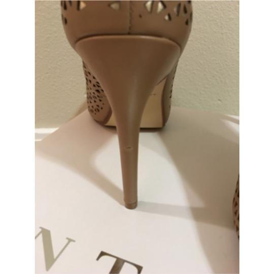 Ann Taylor Luxury (tan with gold) Pumps