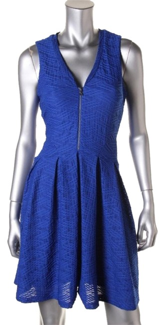 Preload https://img-static.tradesy.com/item/10388857/guess-blue-style-type-wear-to-work-mid-length-cocktail-dress-size-petite-6-s-0-1-650-650.jpg