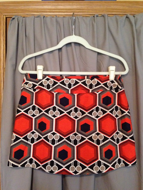 H&M Retro Vintage Inspired Size 8 Multi-colored Mini Skirt Black/Red/White