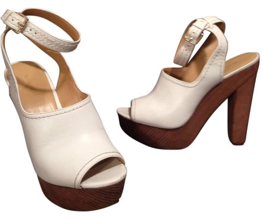 Nine West 9 8.5 Golden Vintage Inspired White Platforms