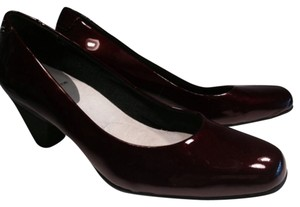Liz Claiborne Red Pumps