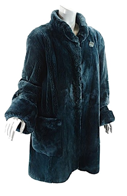 Preload https://item4.tradesy.com/images/green-teal-beaver-wstand-collar-pockets-great-us810-fur-coat-size-8-m-10398463-0-1.jpg?width=400&height=650