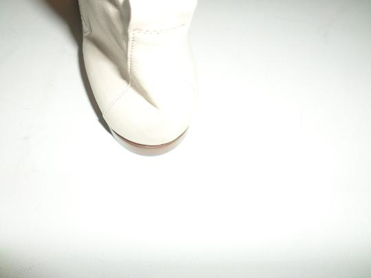 CoSTUME NATIONAL Leather Polished Leather No Appliques Solid Colour Narrow Toeline Leather Sole Square Heel. Nappa Leather. Size 7 BEIGE Boots