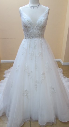 Preload https://item1.tradesy.com/images/alfred-angelo-ivory-net-and-embroidered-lace-2565-modern-wedding-dress-size-10-m-10399975-0-0.jpg?width=440&height=440