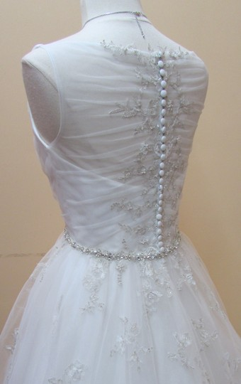 Alfred Angelo Ivory Layered Net and Embroidered Lace 2565 Modern Wedding Dress Size 10 (M)