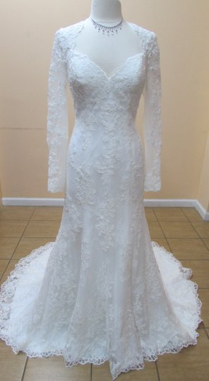 Preload https://item4.tradesy.com/images/alfred-angelo-ivory-lace-8552-modern-wedding-dress-size-12-l-10400878-0-1.jpg?width=440&height=440