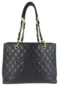 Chanel Caviar Shopper Tote in Black