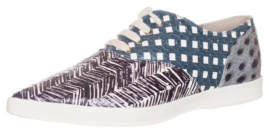 Preload https://item5.tradesy.com/images/marc-jacobs-gray-women-s-printed-elaphe-point-toe-laced-sneakers-flats-size-us-6-regular-m-b-10402564-0-1.jpg?width=440&height=440