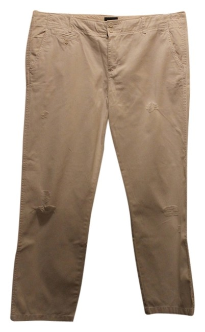 Preload https://item2.tradesy.com/images/american-eagle-outfitters-white-relaxed-fit-pants-size-16-xl-plus-0x-1040366-0-0.jpg?width=400&height=650