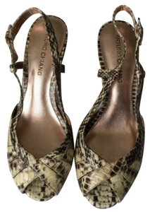 Arturo Chiang Cream/black - snakeskin Pumps