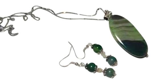 Preload https://item2.tradesy.com/images/green-silver-agate-stone-sterling-a065-necklace-10403941-0-1.jpg?width=440&height=440