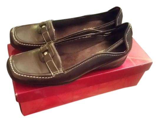 Liz Claiborne Brown Flats