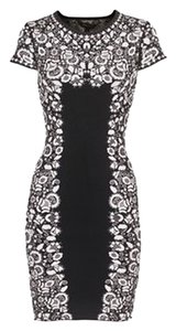 BCBGMAXAZRIA Bodycon Body Con Floral Dress