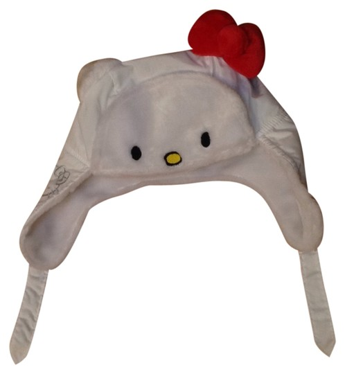 Preload https://img-static.tradesy.com/item/10406143/hello-kitty-white-hat-0-1-540-540.jpg