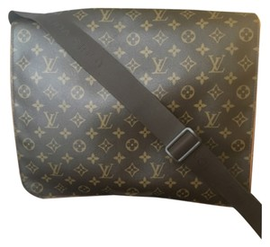 Louis Vuitton Abbesses Men Brown And Tan Messenger Bag