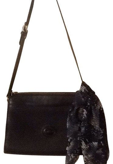 Preload https://item1.tradesy.com/images/dooney-and-bourke-black-leather-shoulder-bag-10412335-0-1.jpg?width=440&height=440