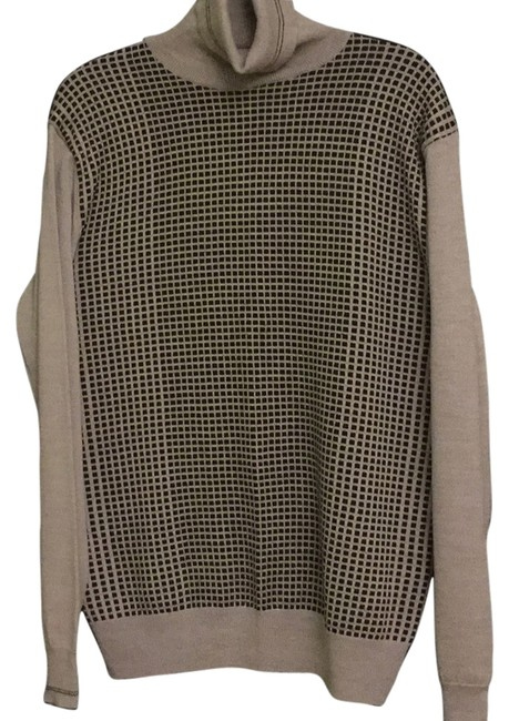 Preload https://item2.tradesy.com/images/calvin-klein-collection-light-grey-mg-lampo-sweaterpullover-size-22-plus-2x-10412866-0-1.jpg?width=400&height=650